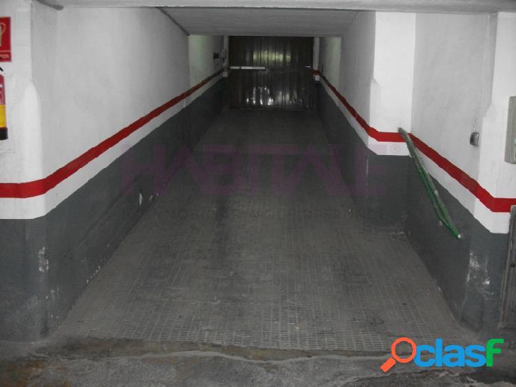 Plaza de garaje en planta -1, acceso por rampa, medidas 1.72 x 4.5. superficie útil 7,74 m2. superficie construida 22m2.posibilidad de comprar la de al lado con mismas medidas y precio. en el