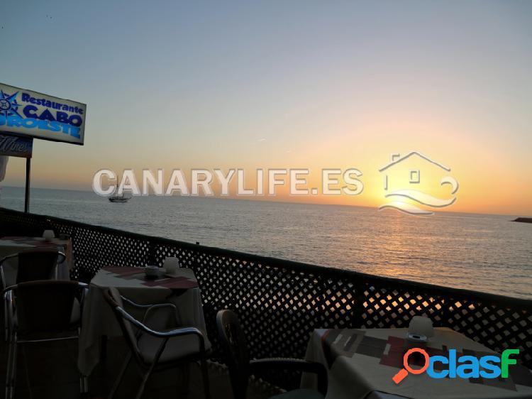 Lote de 4 restaurantes y una terraza de 386 m2 en primera línea playa