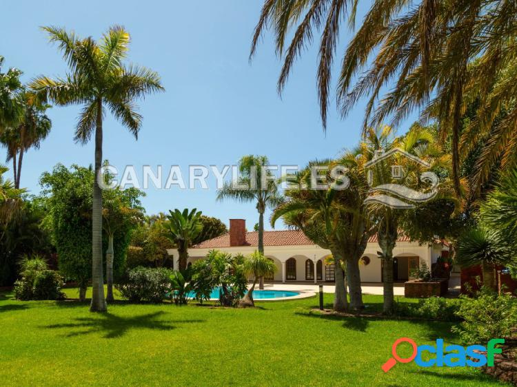 Villa de ensueño con piscina y 862 metros cuadrados de jardín