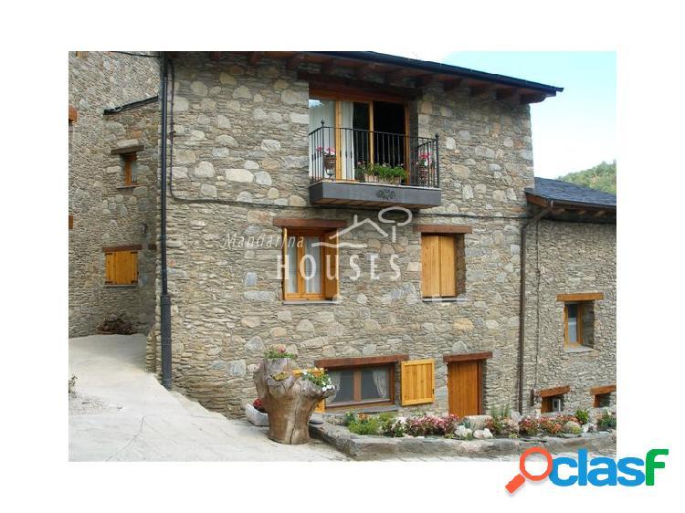 Casa adosada con licencia rural