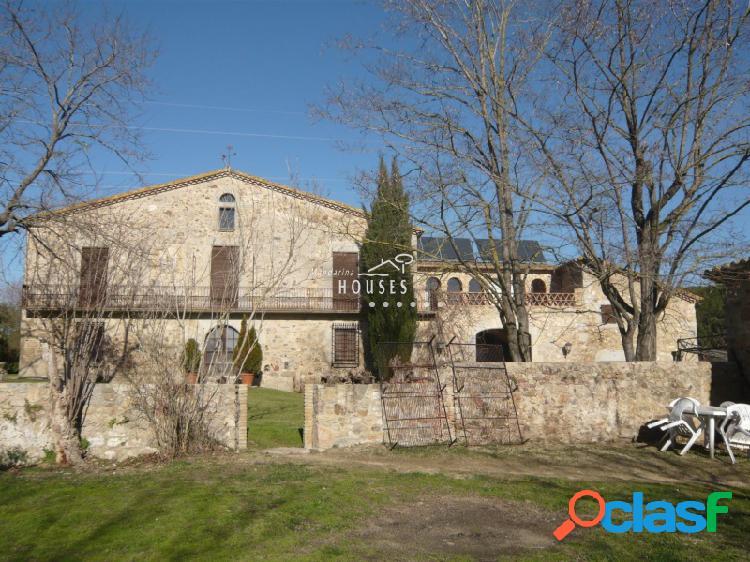 Gran mansión totalmente reformada en venta