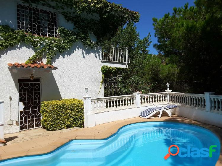 Casa con piscina lloret de mar cerca de la playa