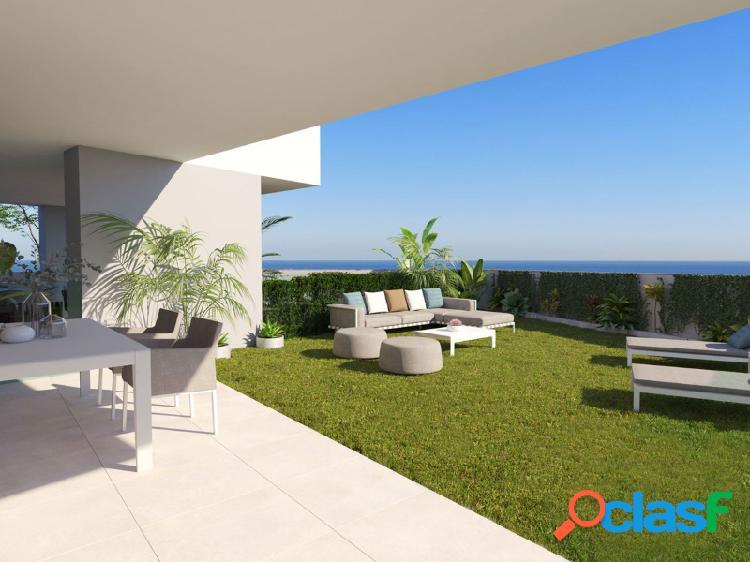 Apartamento de 3 dormitorios con fantástica terraza orientada al sur en manilva.