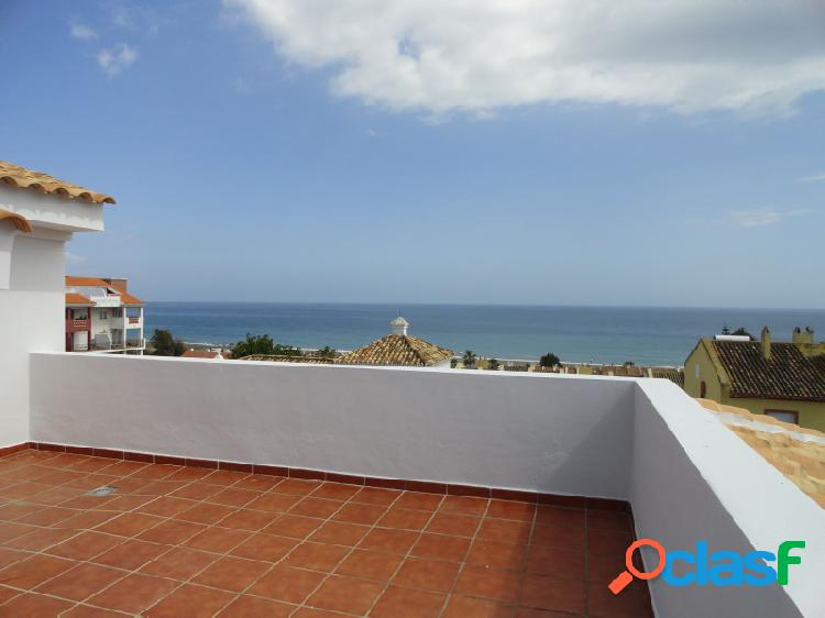 Ático duplex de 3 habitaciones con vistas espectaculares al mar y cerca de la playa