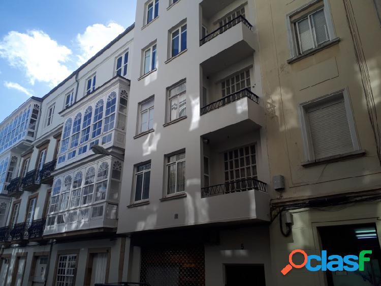 Centro ferrol - piso fundido para refeormar - exterior con balcon - plaza amboage