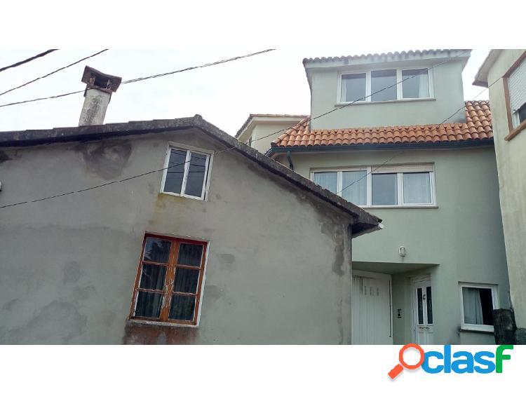 Dos casa a la venta en campolongo (pontedeume)