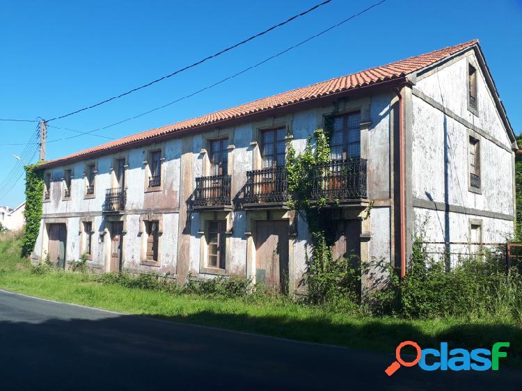 Casa rual valñdoviño en zona de calvario, cercana del embalse.