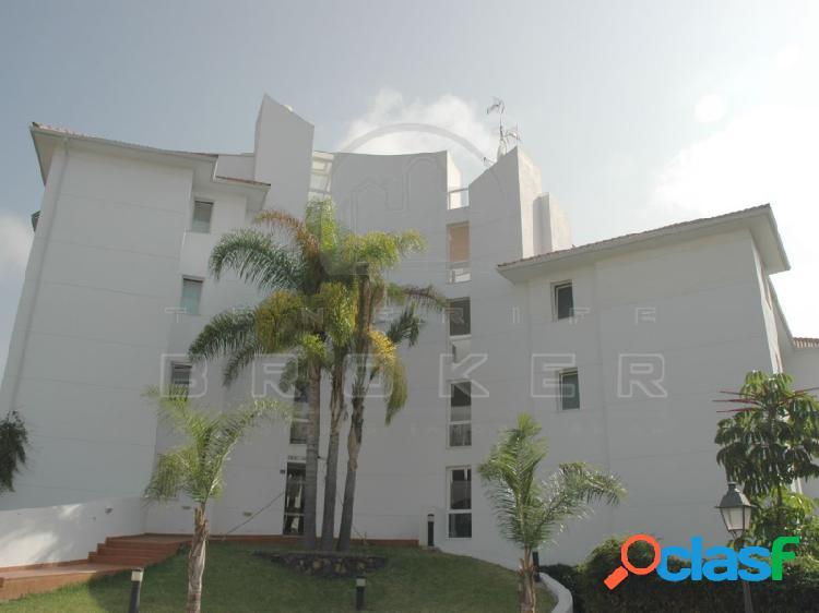 Luminoso apartamento en tranquila zona residencial con piscina y excelentes vistas