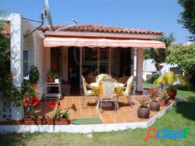 Confortable chalet en zona elegante con garaje. vista teide!