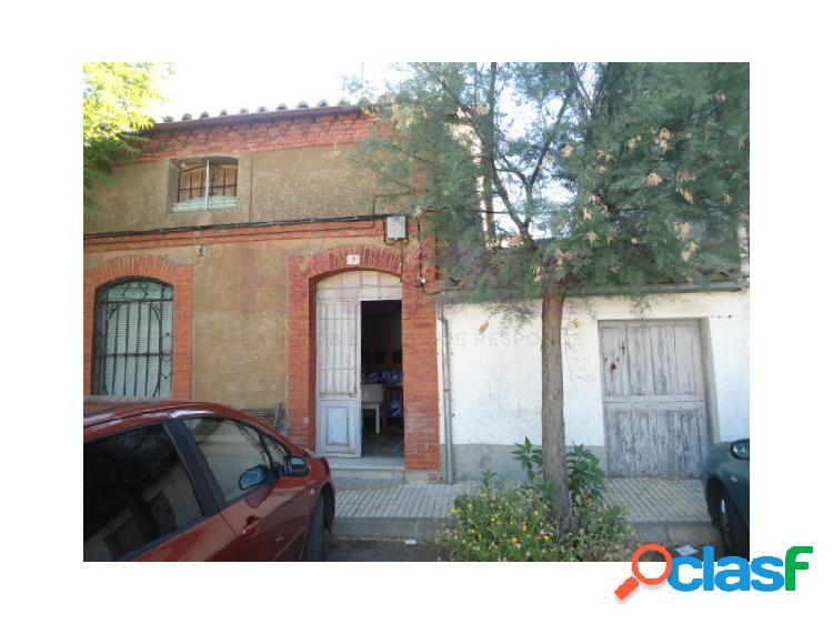 Casa de pueblo de planta baja en una parcela de 109 m2 en el municipio de la vellés.