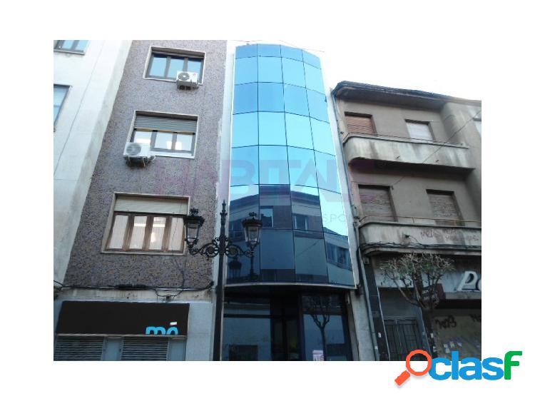 Venta de edificio de oficinas con sótano, baja, tres plantas y ático, en calle padilleros en salamanca.