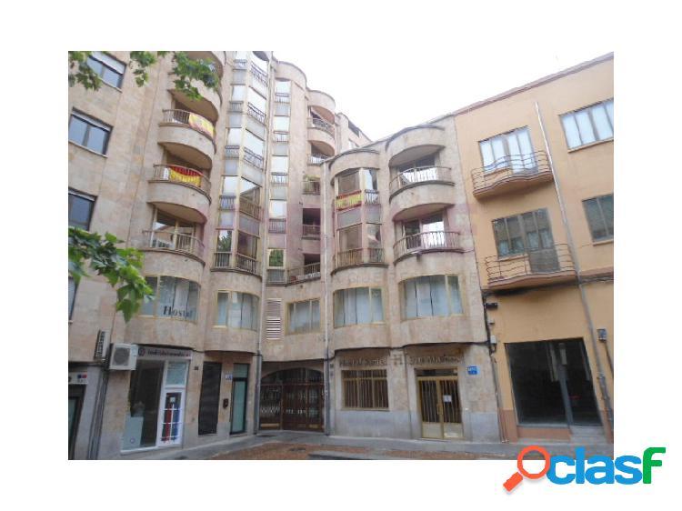 En el centro¡¡¡se vende plaza de garaje abierta situada en primer sótano de edificio residencial en plaza de san marcos en salamanca.