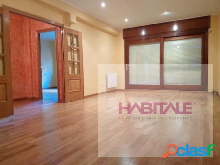 ¡ venta,elegante, amplio, luminoso piso centro, 4 dormitorios, 2 baños, balcón!