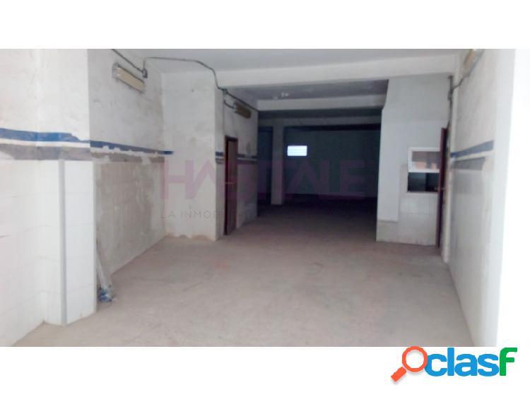 Local comercial en monteolivete, 150 m2, diáfano, 1 despacho, aseo, almacén. ideal para taller.