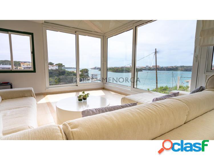 Villa en primera linea, acceso directo al mar, puerto mahón