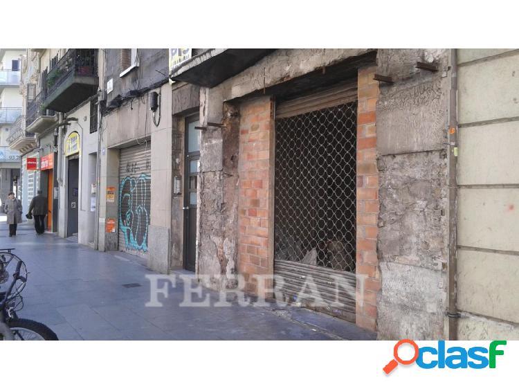 Local comercial en alquiler, creu coberta, barcelona.