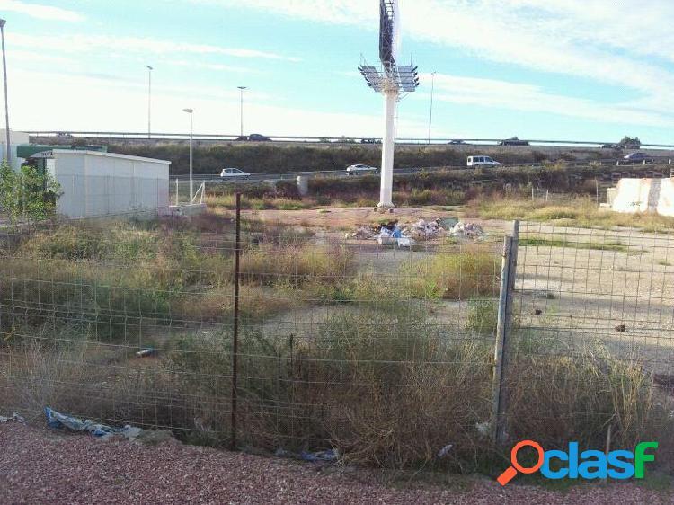 Alicante. Suelo uso industrial. Magnífica ubicación junto carretera y muy próximo entrada autovía