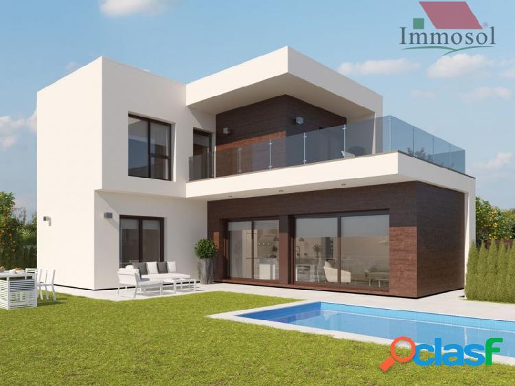 Villa independiente con piscina en RODA GOLF