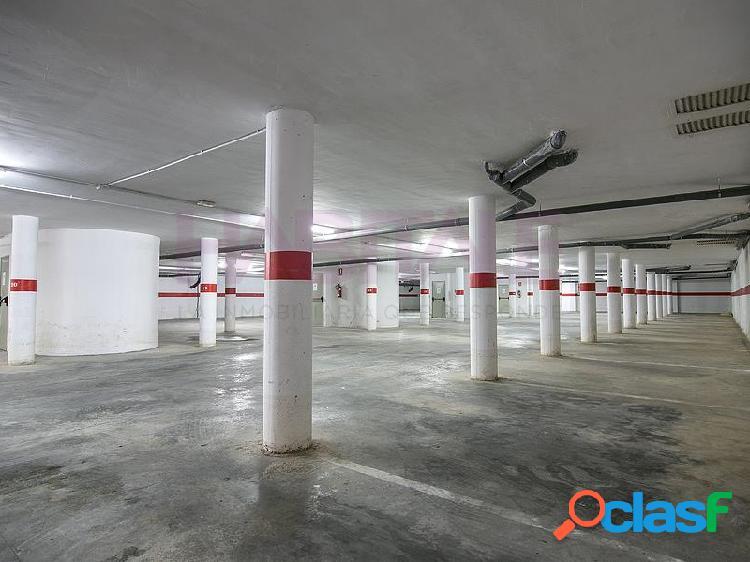 ¡plazas de parking y trasteros!.situados en un edificio residencial ubicado al norte del casco urbano. se encuentran en la planta sótano, con buenos accesos y maniobrabilidad, y los trasteros