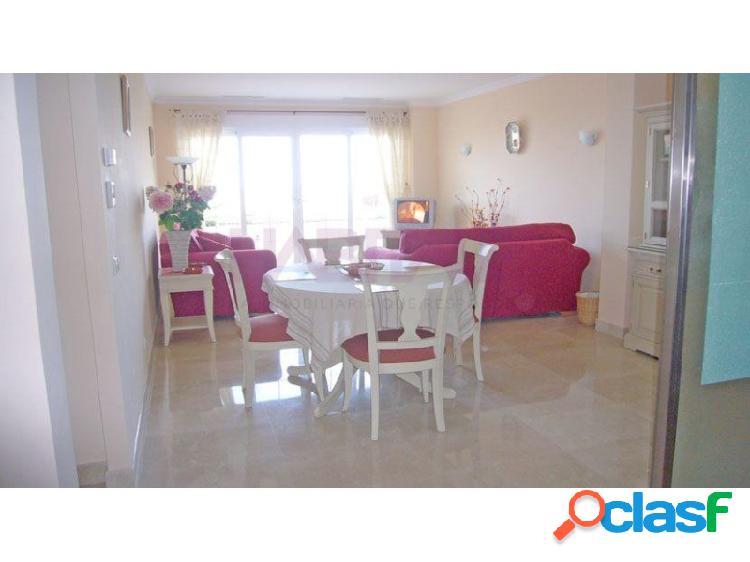 Apartamento en la urbanizacion las mimosas en el residencial la sella golf, con 174 m2 distribuidos en 2 dormitorios, 1 baño, terraza de 60 m2 con jacuzzi, aire acondicionado, calefaccion sue