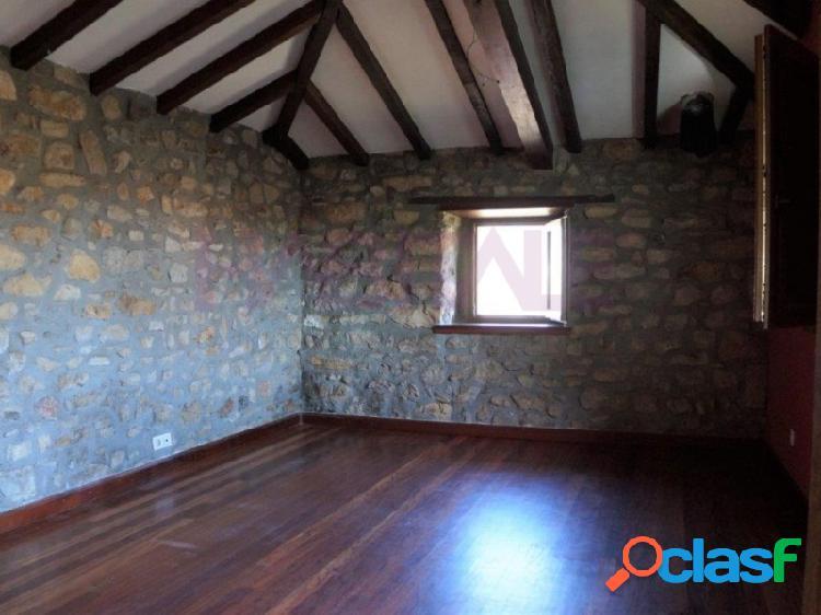Piso en casa de piedra reformada en guriezo