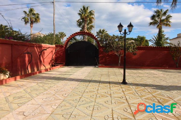 CHALET INDEPENDIENTE DE 3 DORMITORIOS DOBLES EN PARCELA DE 800 M2 3
