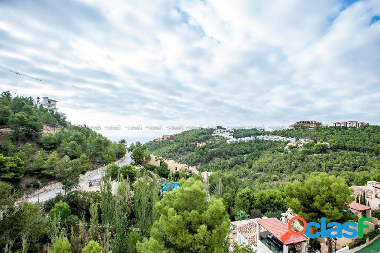 Amplio y moderno apartamento en altea hills