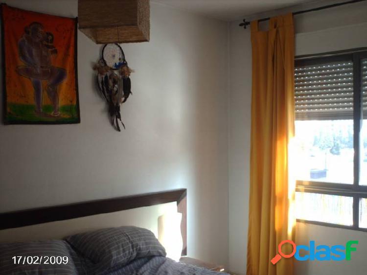 Piso en venta, 2 dormitorios, Ronda Sur, zona ajardinada 2