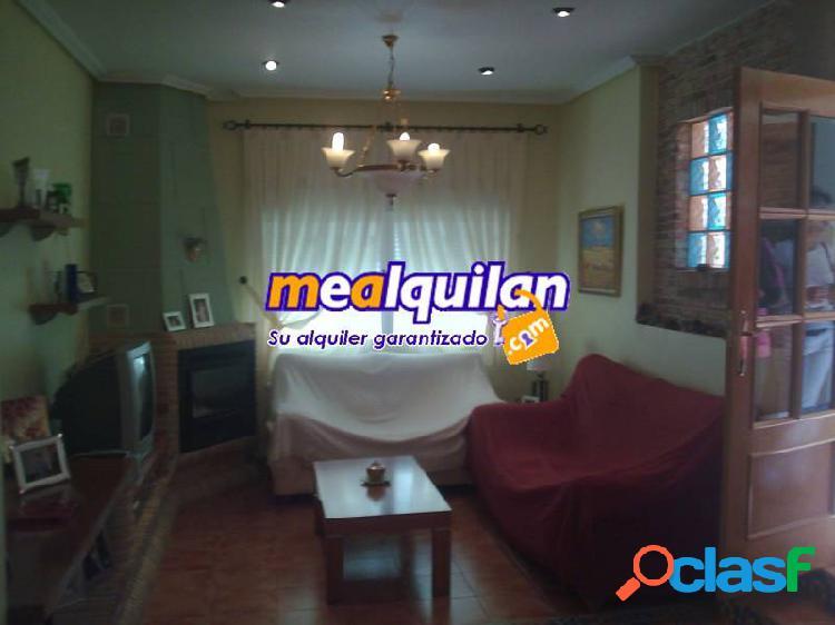 Alquiler chalet en la Alcayna, cuatro dormitorios, dos baños, un aseo, aire acondicionado y calefac 1