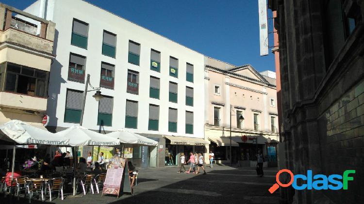 Amplio local comercial ubicado en la zona mas comercial de la ciudad