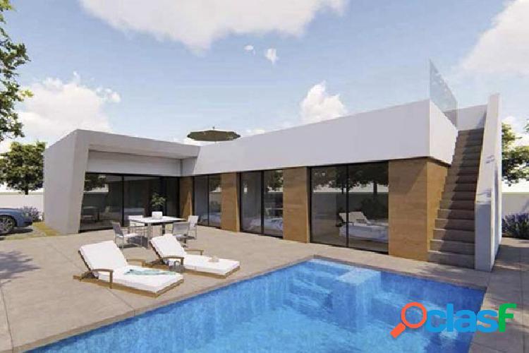 Villa 3 dormitorios con sotano y piscina en Benijofar