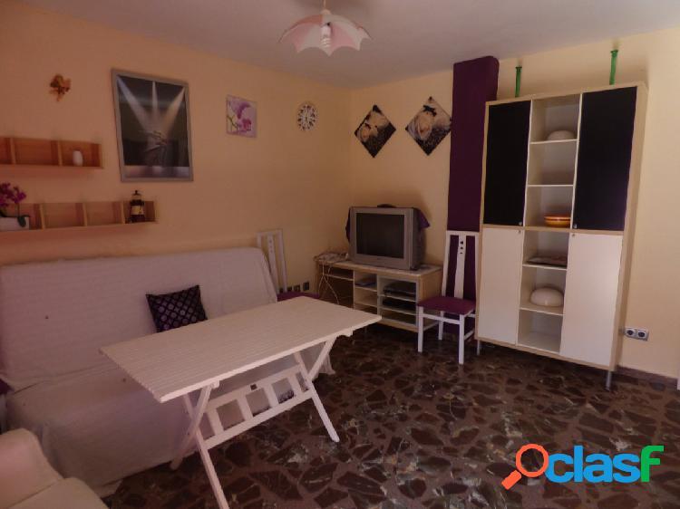 Amplio apartamento de un dormitorios en las marinas