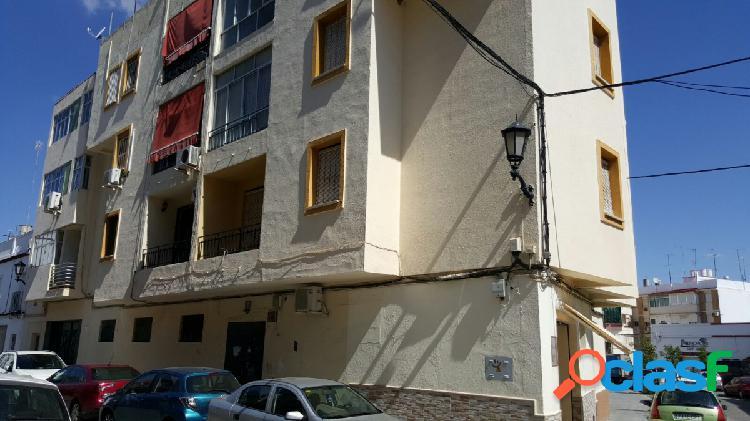 """Piso para reformar, 3 dormitorios, terraza, """"de entidad bancaria"""""""