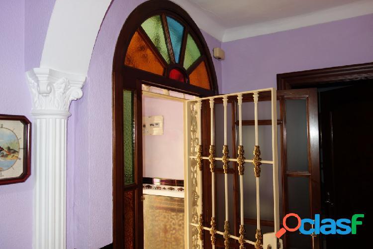 """Casa """"centro"""", 3 dormitorios (1 p.baja), 2 baños"""