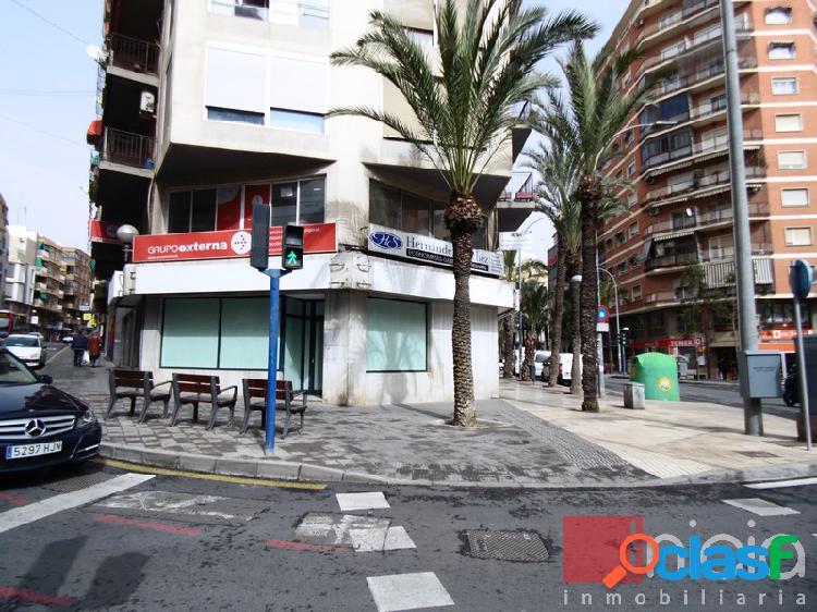 Alicante-centro, local comercial en esquina con gran visibilidad. última actividad sede bancaria.