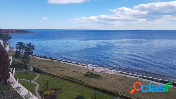 Exclusivo ático duplex con piscina en primera linea en Los Granados Playa de Estepona 2