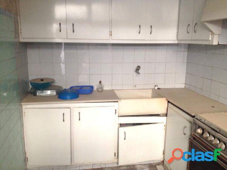 Casa venta en castellón zona centro clavé-rey don jaime, 360 m2, 6 hab. y 2 baños