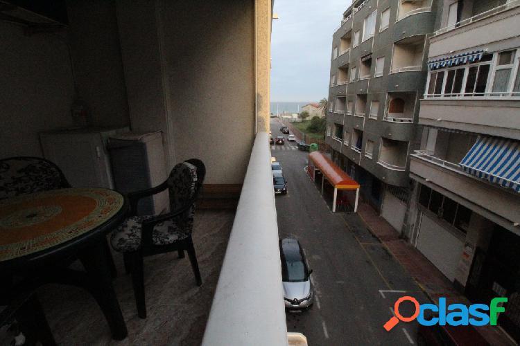 Amplio apartamento en playa de los locos con vistas laterales al mar