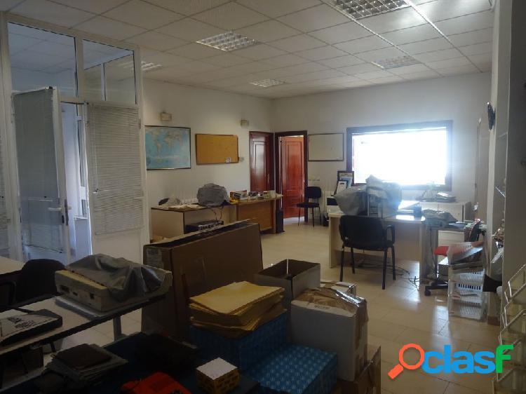 Local comercial amueblado, para oficinas en san lázaro
