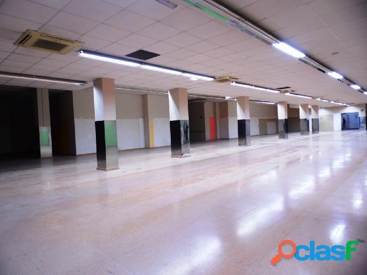 Altabix universidad, ideal para supermercados, con 24 plazas de aparcamiento