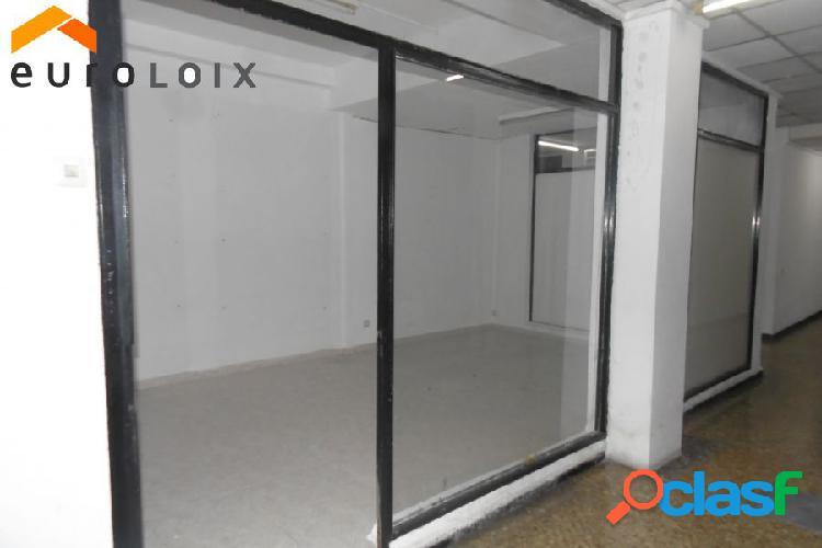 Alquiler local comercial en zona centro muy buenas condiciones de pago. www.euroloix.com