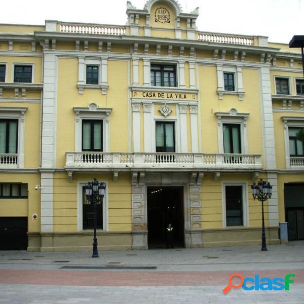 Oficina plena plaza del ayuntamiento