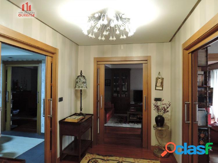 Señorial piso situado en una de las mejores zonas del centro.