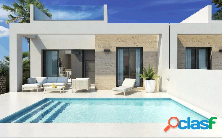 Precioso bungalow con piscina privada en daya nueva