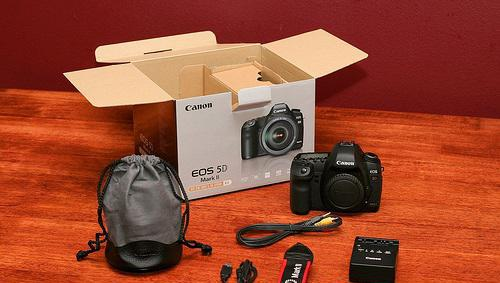 Canon eos 5d mark ii +ef 24-105mm f/4 is lens