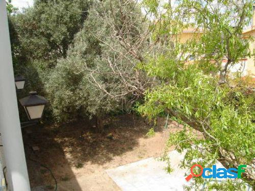 Chalet independiente en olivar de cobisa