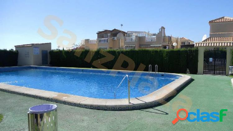 Bungalow 2 dormitorios en planta baja con piscina y zonas verdes