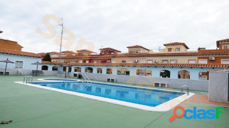 Bungalow duplex de 2 dormitorios con piscina