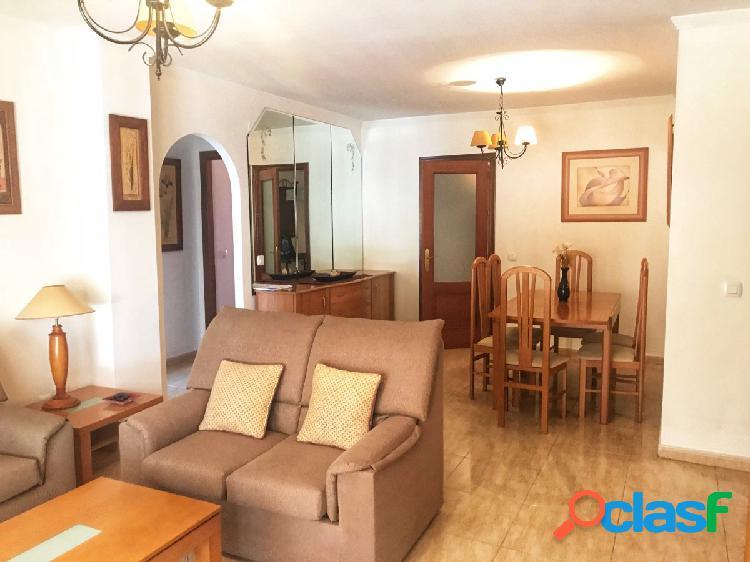 Amplio piso 3 dormitorios en san pedro alcantara junto al boulevard !!