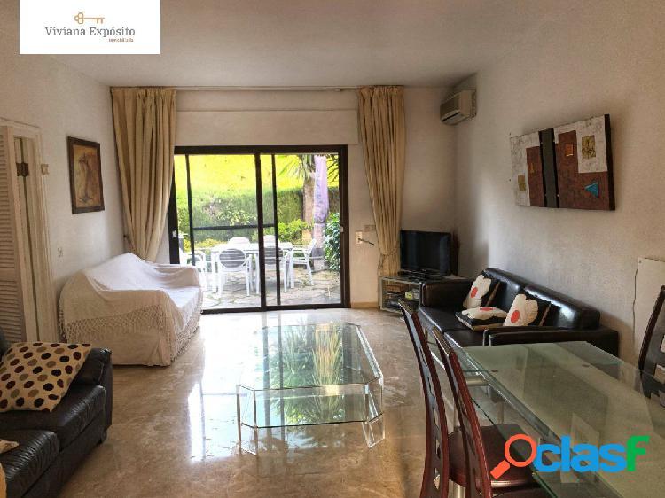 Adosada en venta en nueva andalucia dos dormitorios los naranjos country club!!